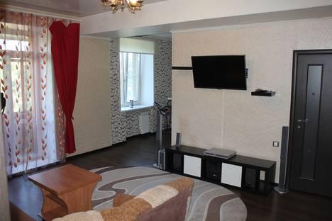 Сдается 2-комнатная квартира посуточно в Барнауле, проспект Ленина,92.