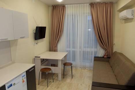 Сдается 1-комнатная квартира посуточно в Сочи, улица Волжская 34.