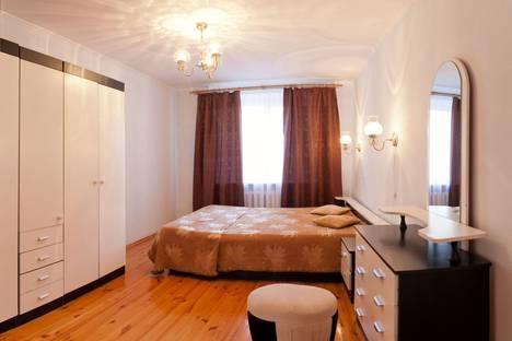 Сдается 3-комнатная квартира посуточнов Тюмени, улица Флотская, 54.