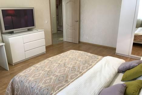 Сдается 1-комнатная квартира посуточнов Ивантеевке, ул. Новоселки, д. 4.