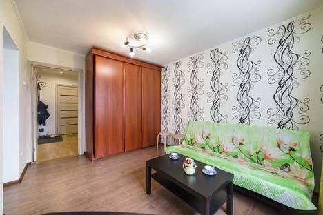 Сдается 2-комнатная квартира посуточно, улица Нурсултана Назарбаева, 56.