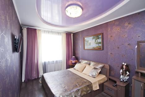 Сдается 4-комнатная квартира посуточно в Сургуте, улица Крылова 7.