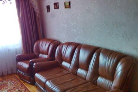 Сдается 3-комнатная квартира посуточно в Гомеле, улица 60 лет СССР.