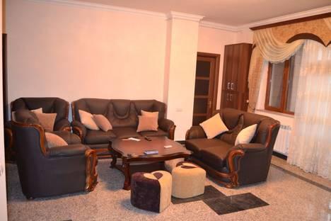Сдается 4-комнатная квартира посуточно в Ереване, Armenia, Yerevan, 40 Sayat-Nova Avenue.
