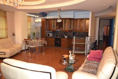 Сдается 4-комнатная квартира посуточно в Ереване, Armenia, Yerevan, ekmalyan 16.