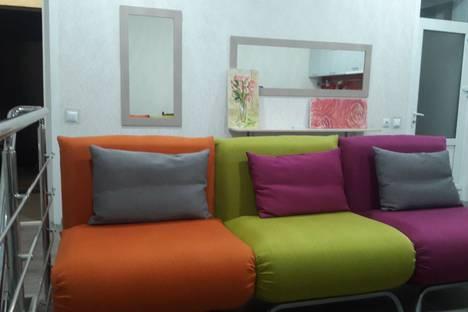 Сдается 3-комнатная квартира посуточнов Андреевке, проспект Античный 4.