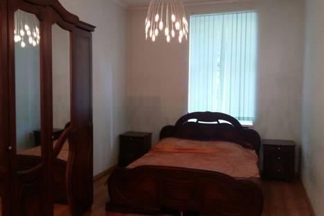 Сдается 2-комнатная квартира посуточнов Туапсе, улица Гоголя, 13.