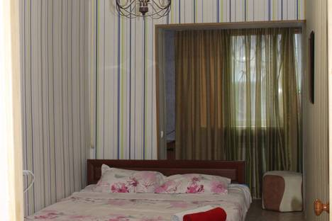 Сдается 2-комнатная квартира посуточнов Актау, 7 микрорайон 25 дом.