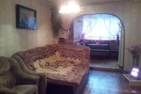 Сдается 2-комнатная квартира посуточно в Туапсе, ул. Фрунзе, 25.