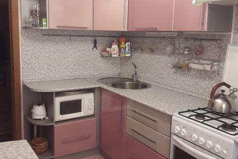 Сдается 2-комнатная квартира посуточно в Яровом, Квартал А,дом 38.