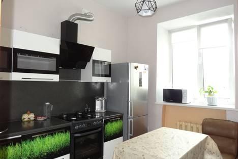Сдается 2-комнатная квартира посуточно в Комсомольске-на-Амуре, Красногвардейская улица, 11.