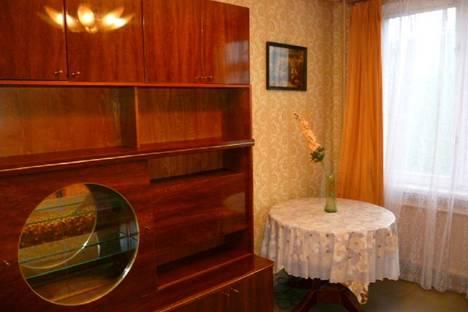 Сдается комната посуточнов Санкт-Петербурге, Искровский пр. д.21.