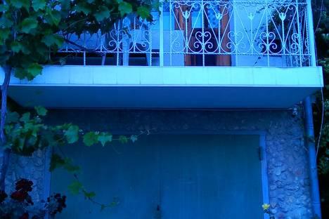 Сдается 1-комнатная квартира посуточно в Евпатории, улица Демышева 10.
