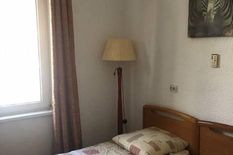 Сдается 1-комнатная квартира посуточнов Узловой, УЛ. ГОРЬКОГО 5К2.