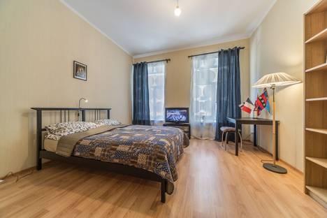 Сдается 2-комнатная квартира посуточнов Санкт-Петербурге, Социалистическая улица, 9.