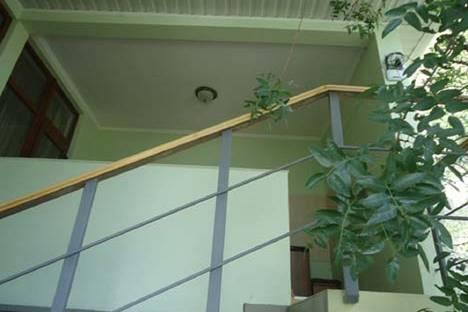 Сдается 1-комнатная квартира посуточно в Алупке, д. 42 ул. Ленина  N-4.