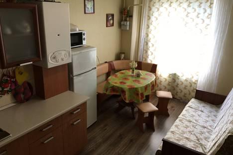Сдается 1-комнатная квартира посуточнов Витязеве, Симферопольское шоссе 1а.