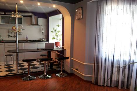 Сдается 2-комнатная квартира посуточно в Оренбурге, Оренбург, улица Самолетная, 198.