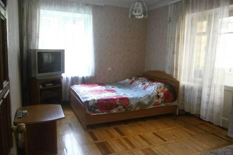 Сдается 1-комнатная квартира посуточно в Ялте, ул.Васильева 10.