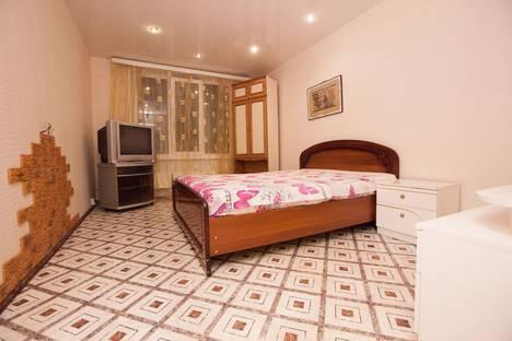 Сдается 3-комнатная квартира посуточно в Тольятти, Свердлова 68.