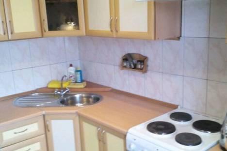 Сдается 4-комнатная квартира посуточно в Тольятти, улица Льва Яшина дом 7.