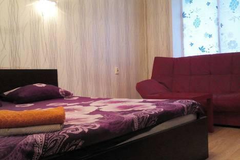 Сдается 1-комнатная квартира посуточно в Тольятти, улица Фрунзе ,дом 10б.