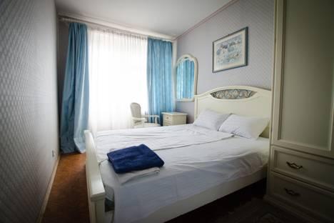Сдается 2-комнатная квартира посуточнов Щёкине, Красноармейский проспект, 8.