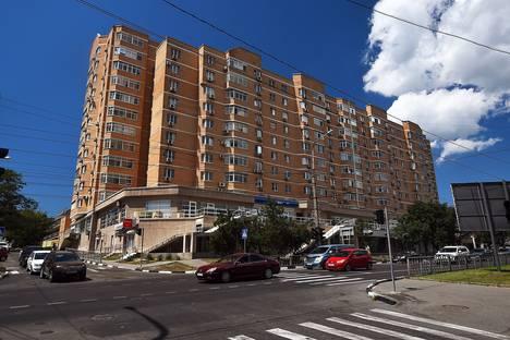 Сдается 2-комнатная квартира посуточно в Новороссийске, улица Лейтенанта Шмидта, 39.
