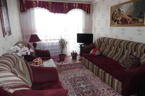 Сдается 2-комнатная квартира посуточнов Яровом, кв-л Б д.3.