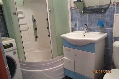 Сдается 2-комнатная квартира посуточно в Яровом, квартал А дом 39.