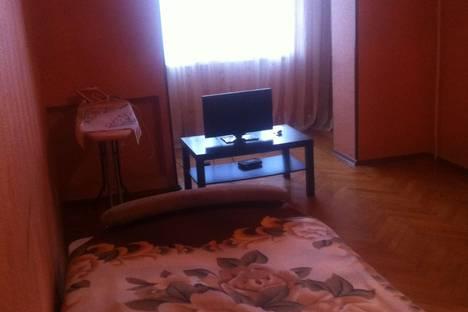 Сдается 2-комнатная квартира посуточнов Пицунде, Ул. Агрба д.3/1.