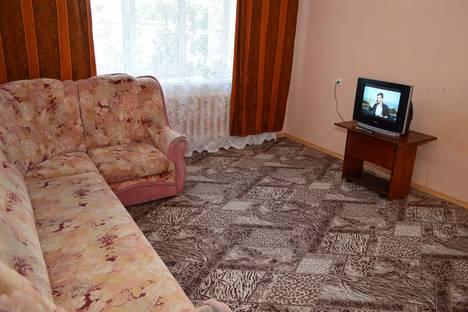 Сдается 3-комнатная квартира посуточно в Барнауле, улица Малахова, 83.