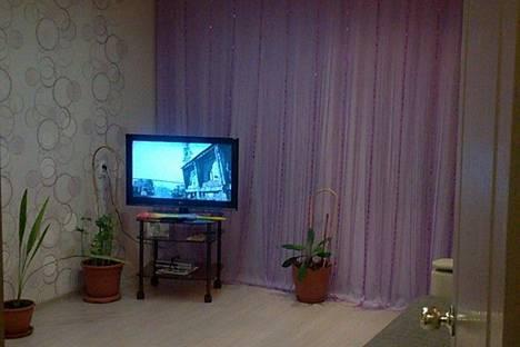 Сдается 1-комнатная квартира посуточнов Братске, Комсомольская улица, 44.