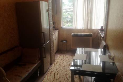Сдается 3-комнатная квартира посуточнов Кобулети, Batumi, Inasaridze Street, 6.