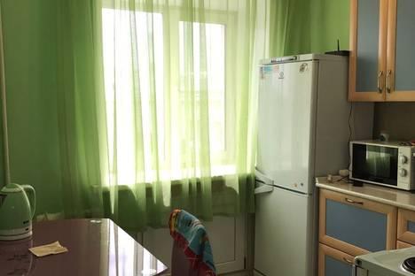 Сдается 2-комнатная квартира посуточно в Чите, ул. Ленина, 127.