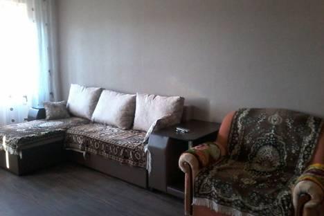 Сдается 3-комнатная квартира посуточно в Яровом, квартал Б 18 кв 33.