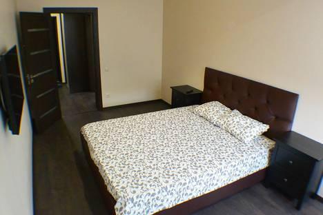 Сдается 2-комнатная квартира посуточно в Адлере, улица Тюльпанов, 1.