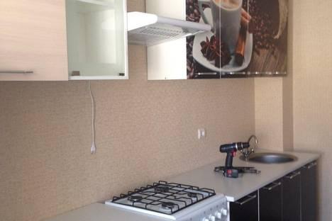Сдается 3-комнатная квартира посуточно в Саратове, проспект 50 Лет Октября, 60.