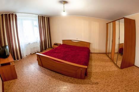 Сдается 2-комнатная квартира посуточно в Тюмени, улица 50 Лет Октября, 80/1.