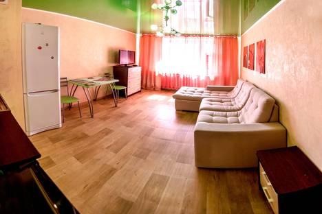 Сдается 1-комнатная квартира посуточно в Тюмени, улица Николая Семенова 29.