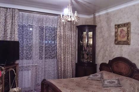 Сдается 1-комнатная квартира посуточно в Архангельске, проспект Ломоносова, 121.