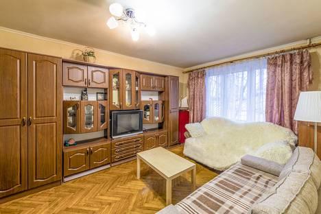 Сдается 1-комнатная квартира посуточнов Московском, Волгоградский проспект, 3.
