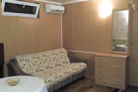 Сдается 1-комнатная квартира посуточно в Евпатории, ул. Караева, д. 5А.