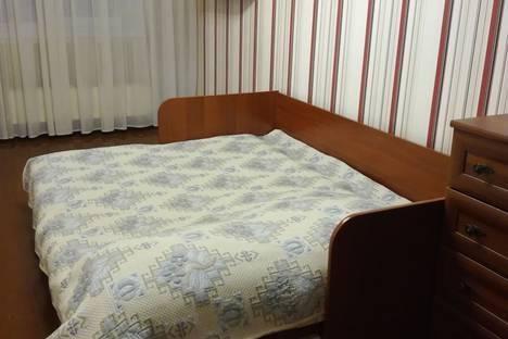 Сдается 2-комнатная квартира посуточнов Междуреченске, проспект 50 Лет Комсомола,48.