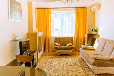 Сдается 2-комнатная квартира посуточно, улица 339 Стрелковой Дивизии, 12Д.