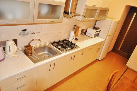 Сдается 3-комнатная квартира посуточно в Ялте, 24 улица Чехова.