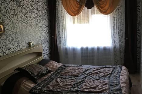 Сдается 3-комнатная квартира посуточно в Яровом, Квартал Б дом 22.