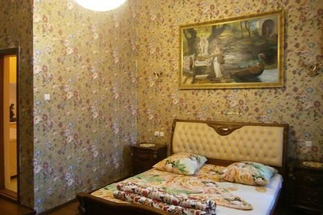 Сдается 2-комнатная квартира посуточно в Ялте, 11 улица Кирова.