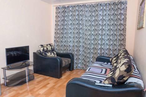 Сдается 1-комнатная квартира посуточно в Челябинске, ул. Володарского, 15.