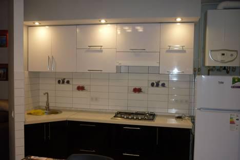 Сдается 2-комнатная квартира посуточно в Гаспре, улица Маратовская 1А.